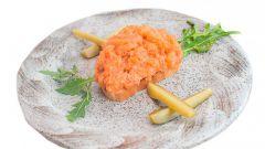 Тартар из лосося с чиабаттой