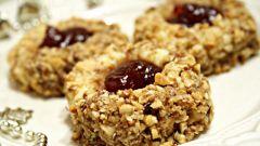 Как приготовить пирожное с грецкими орехами и джемом