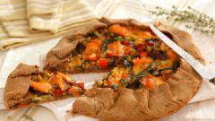 Готовим в пост: ржаная галета с морковью, луком и пастернаком