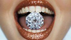 Различные способы отбеливания зубов