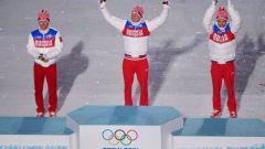 Российские лыжники выиграли Олимпийский марафон на 50 километров