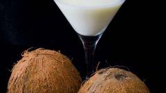 Восстанавливаем волосы с помощью кокосового молочка