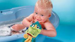 Как купать ребенка до года