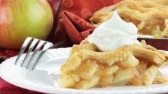 Как приготовить необычную шарлотку с яблоками