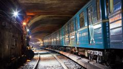 Когда построили первое метро в Москве