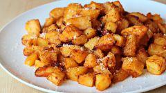 Как запечь картофель с пармезаном и пряностями