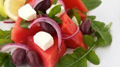 Оригинальный салат из арбуза