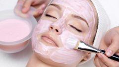 Как готовить маски для лица из розовой глины