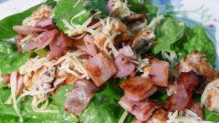 Теплые салаты с беконом