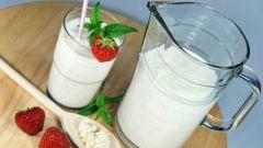 Кефир или молоко: что предпочесть на сон грядущий?