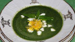 Как приготовить суп с крапивой и яйцом