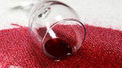 Как удалить пятно от красного вина на ковре?