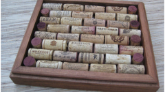 How to decorate your home using old wine corks?