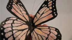 Необыкновенная бабочка из органзы