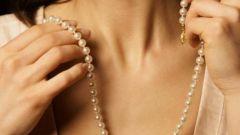 Уход за кожей груди и шеи