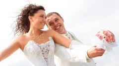 Сколько дарят денег на свадьбу