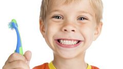 Причина появления белых пятен на зубах ребенка