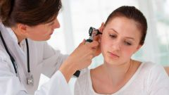 What differs from the audiologist otolaryngologist