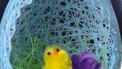 Как сделать пасхальное яйцо-гнездо из ниток