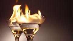 Как приготовить горящие алкогольные коктейли