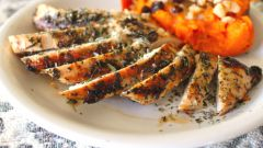 How to cook chicken breast with Provencal herbs