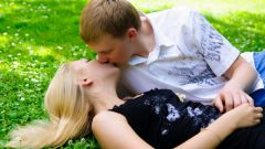 How to kiss with tongue passionately