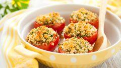 Как приготовить фаршированные помидоры с сыром Фета и зеленью