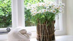 Как декорировать цветочный горшок ветками