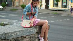 Какие платья можно носить с кедами