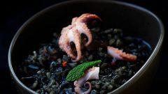 Как приготовить чёрное ризотто с осьминогом