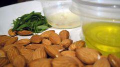 Маска для упругости молочной железы с медом и миндалем