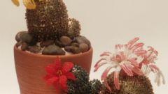 Как сделать кактус из бисера и пайеток