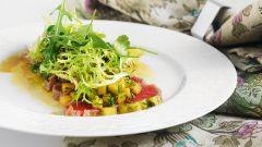 Салат с тунцом и дыней