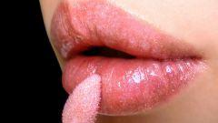 Как пользоваться блеском для губ