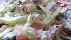 Овощной салат с сухарями