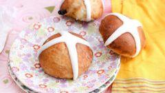 Как приготовить пасхальные булочки