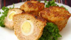 Мясные маффины с перепелиным яйцом
