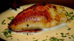 Кальмары, фаршированные омлетом