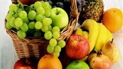 Как сделать подарочную корзину с фруктами