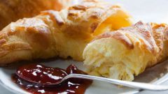 How to make a croissant from store-bought puff pastry