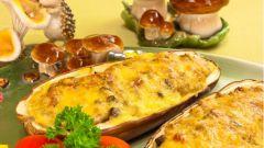 Баклажаны, фаршированные гречкой, беконом и грибами