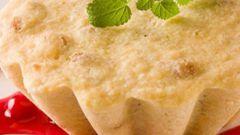 Сырный пудинг с клюквенным соусом