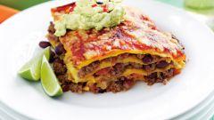 Многослойная мексиканская кесадилья с говядиной