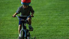 Почему ребенку нужно купить велосипед