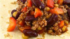 Говядина с бобами и кукурузой по‑мексикански