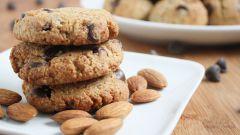 Как приготовить миндальное печенье с шоколадной крошкой