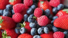 How to freeze fresh berries pureed
