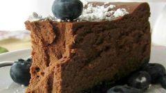 Шоколадный чизкейк с черникой