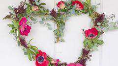 Как сделать цветочный венок в форме сердца