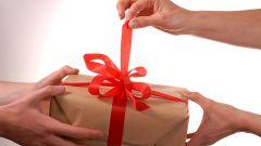 Как выбрать подарок имениннику
